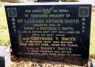 LA Smith - Headstone